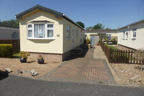 2 bedroom mobile home for sale - Chertsey