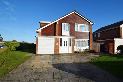 4 bedroom detached house for sale - Merley