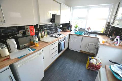 5 bedroom terraced house to rent - Swainstone Road, Reading
