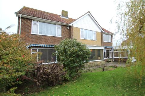 4 bedroom detached house for sale - Beachy Head Road, Meads, Eastbourne, BN20