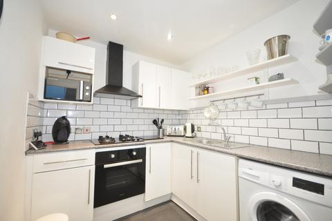 2 bedroom semi-detached house to rent - Regent Place Southsea PO5