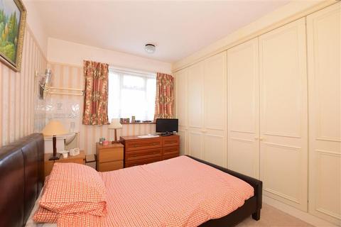 3 bedroom semi-detached house for sale - Clarendon Gardens, Dartford, Kent
