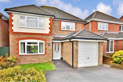 4 bedroom detached house for sale - Remus Close, Knights Park, Ashford, Kent