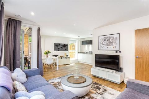 2 bedroom flat to rent - Oxborough House, 33 Eltringham Street, London, SW18