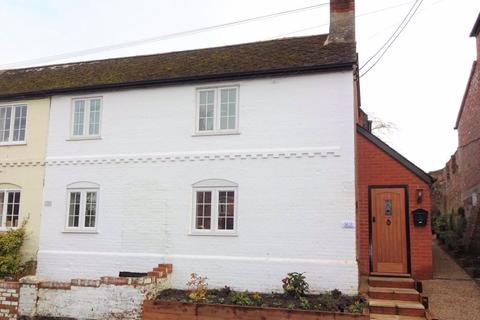 3 bedroom semi-detached house to rent - High Street, Wiltshire
