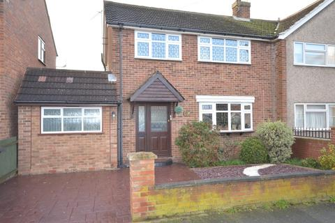 3 bedroom semi-detached house for sale - Lucas Avenue, Chelmsford, CM2
