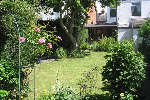 2 bedroom semi-detached house to rent - Nursery Road, Tunbridge Wells, TN4