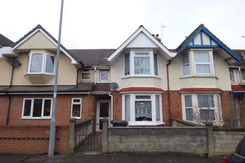3 bedroom house to rent - Groundwell Road, TOWN CENTRE
