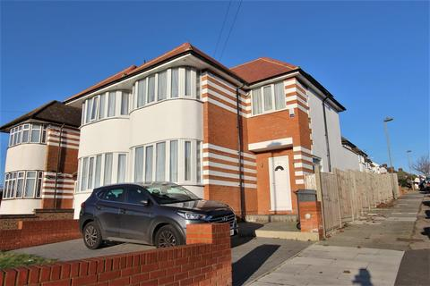 3 bedroom end of terrace house to rent - Hampden Way, Southgate, N14