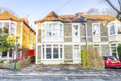 8 bedroom house to rent - Cranbrook Road, Redland