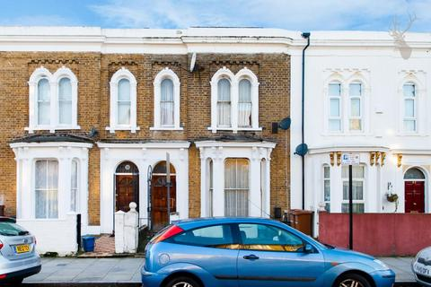 3 bedroom terraced house for sale - Powell Road, London
