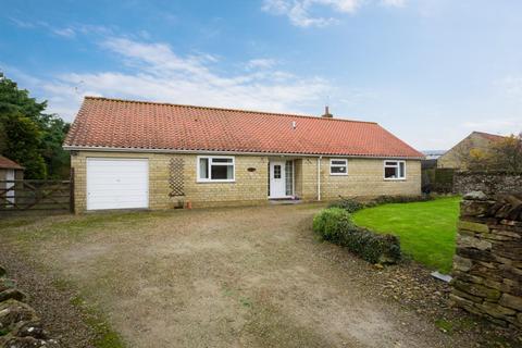 3 bedroom detached bungalow to rent - Main Street, Ebberston, Scarborough