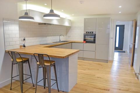 2 bedroom apartment to rent - Flat 2 Moose Hall Apartments, Toronto Road, Exeter