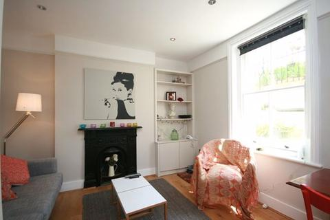 2 bedroom flat to rent - Queens Club Gardens, Quain Mansions, W14