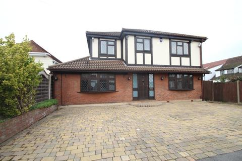 5 bedroom house to rent - Poole Road, Hornchurch, RM11