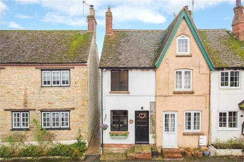 2 bedroom end of terrace house for sale - Church Street, Gawcott, Buckingham, Buckinghamshire, MK18