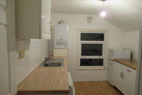 1 bedroom flat to rent - Engleheart Road - 1 bed flat
