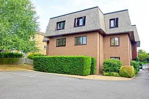 2 bedroom flat to rent - Wessex Court, 1500 High Road, Whetstone, London, N20 9RW