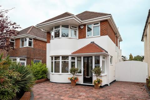3 bedroom detached house for sale - BROUGHTON AVENUE, Redhill. Immaculate Condition