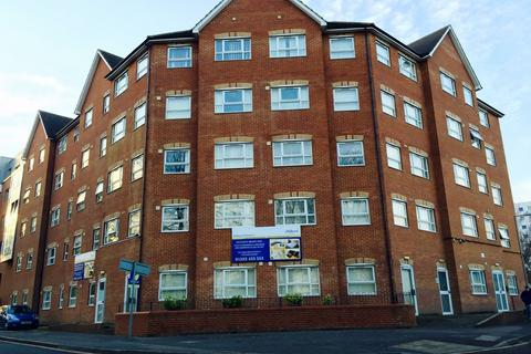 1 bedroom flat to rent - Manor Road, Town Centre