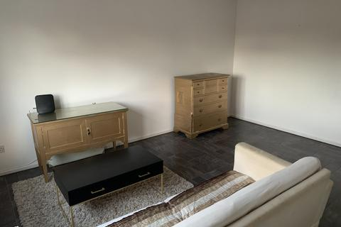 2 bedroom flat to rent - Alpha Close, Balsall Heath, Birmingham