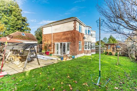 4 bedroom detached house for sale - Waltham Road