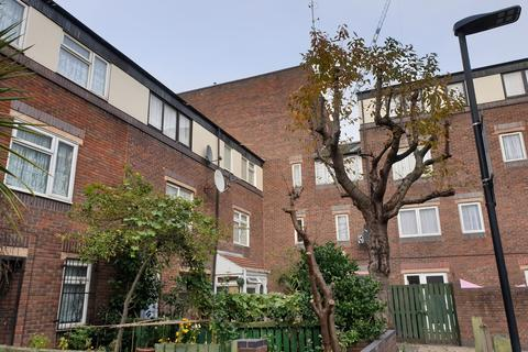 4 bedroom terraced house for sale - Croft Street, London E1