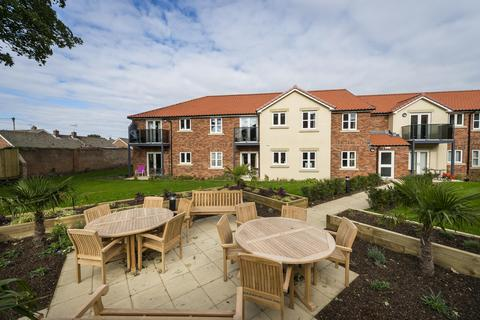 2 bedroom flat to rent - Rogerson Court, Scaife Garth, Pocklington, YO42 2SJ