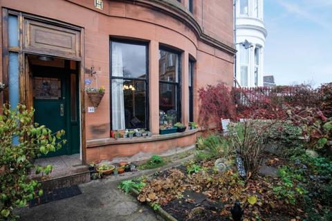 3 bedroom flat for sale - Millbrae Road, Langside, Glasgow, G42 9TU