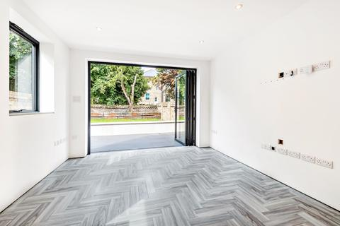 2 bedroom flat to rent - Springbank Road London SE13