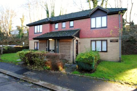1 bedroom apartment to rent - Station Approach, Coulsdon