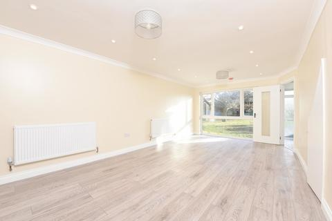 3 bedroom terraced house to rent - Camberley, Surrey