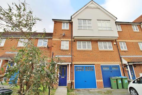 4 bedroom terraced house for sale - Greenhaven Drive, Thamesmead, London, SE28 8FY