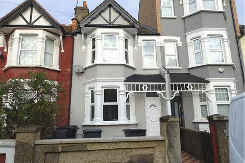 3 bedroom terraced house to rent - Lealand Road, N15