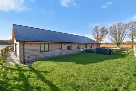 3 bedroom semi-detached bungalow for sale - Lenham Road, Headcorn