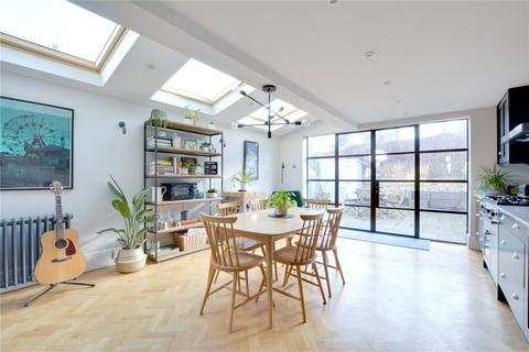 4 bedroom semi-detached house for sale - Calvert Road, Greenwich, London, SE10