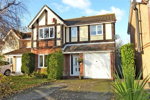 4 bedroom detached house to rent - Brecon Close, KT4