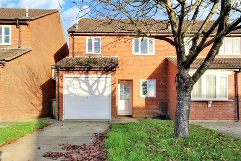3 bedroom semi-detached house to rent - Wessex Close, Faringdon, Oxfordshire, SN7