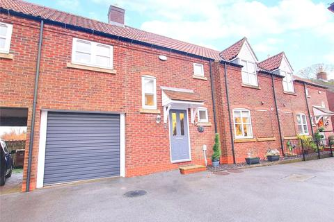 4 bedroom terraced house for sale - All Saints Mews, Preston, East Yorkshire, HU12