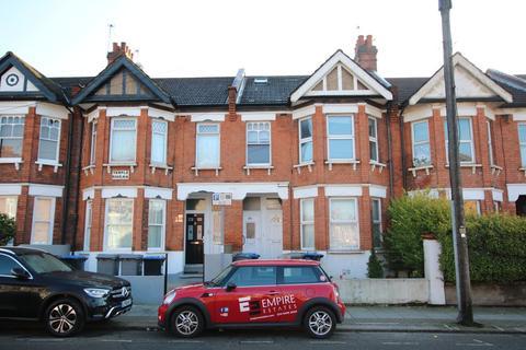 3 bedroom flat to rent - Temple Road, Cricklewood, London