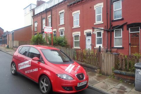 2 bedroom terraced house to rent -  Bayswater Crescent,  Leeds, LS8