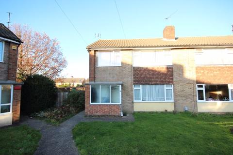 2 bedroom property to rent - Refurbished 2 bed first floor maisonette...