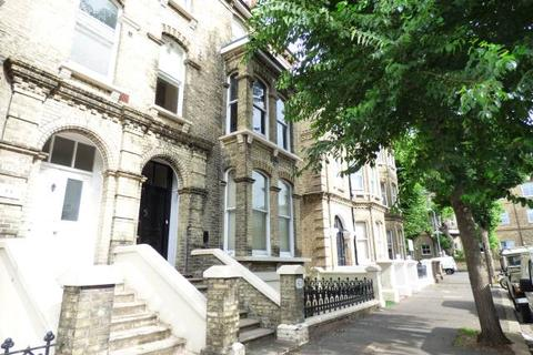 Studio to rent - Tisbury Road, Hove, East Sussex