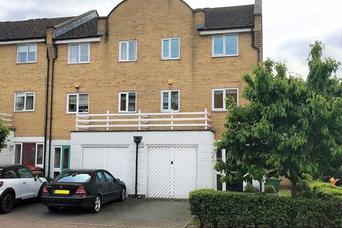 4 bedroom townhouse to rent - Fishguard Way, London