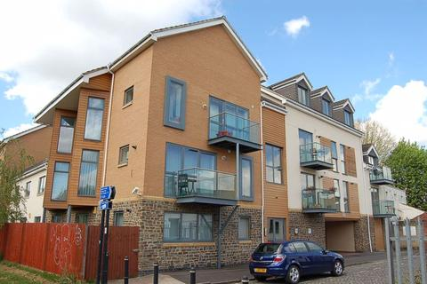 2 bedroom apartment to rent - Barton Vale, Bristol