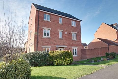 4 bedroom detached house to rent - Thestfield Drive, Trowbridge