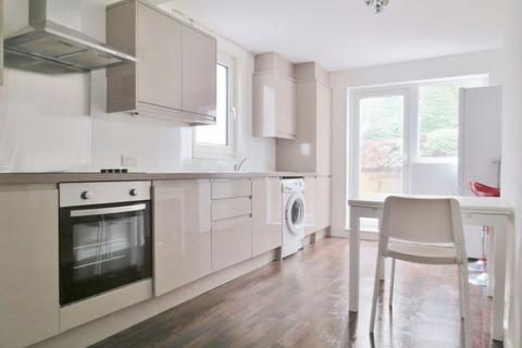 5 bedroom terraced house to rent - Roedale Road, Brighton