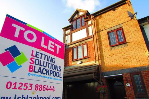 4 bedroom house to rent - Teal Court, Blackpool, Lancashire