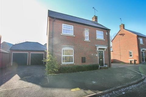 3 bedroom detached house for sale - Napier Road, Aylesbury