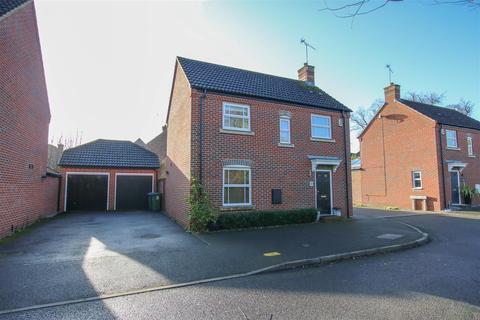 3 bedroom detached house for sale - Napier Road, Aylesbury